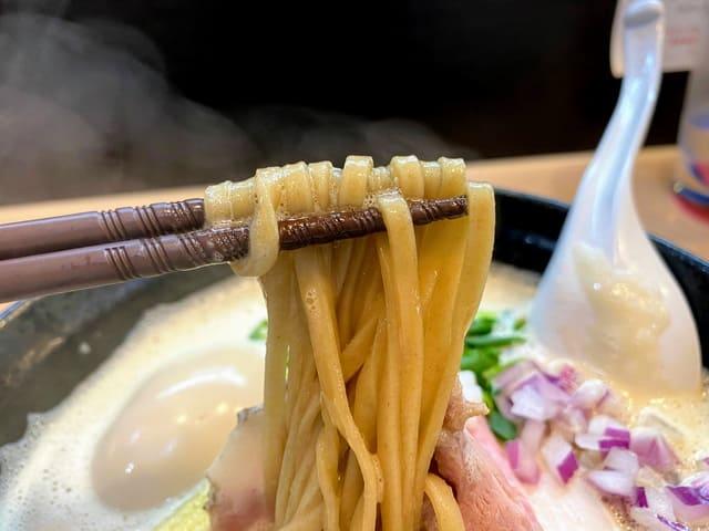 えびそば緋彩 濃厚えびそば 麺